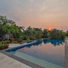 Отель Pattaya Sunset Villa 4 Bedroom Sleeps 8 бассейн фото 3