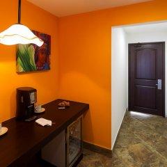 Отель Hacienda Encantada Resort & Residences удобства в номере