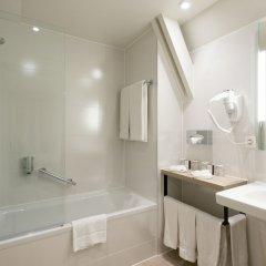 Отель Martins Brugge Бельгия, Брюгге - 6 отзывов об отеле, цены и фото номеров - забронировать отель Martins Brugge онлайн ванная фото 5