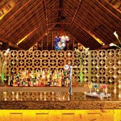 Отель Sunscape Dorado Pacifico Ixtapa Resort & Spa - Все включено гостиничный бар