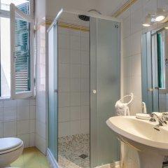 Отель Travel & Stay - Mirabello Италия, Рим - отзывы, цены и фото номеров - забронировать отель Travel & Stay - Mirabello онлайн ванная фото 2
