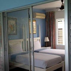 Отель Hibiscus Lodge Ямайка, Очо-Риос - отзывы, цены и фото номеров - забронировать отель Hibiscus Lodge онлайн балкон