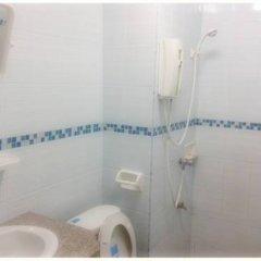 Отель Ban Punmanus Guesthouse Таиланд, Краби - отзывы, цены и фото номеров - забронировать отель Ban Punmanus Guesthouse онлайн ванная фото 2