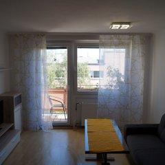 Апартаменты Herbststrasse Apartment Вена комната для гостей фото 2