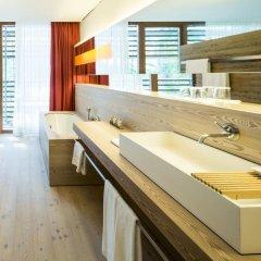 Отель Vigilius Mountain Resort Италия, Лана - отзывы, цены и фото номеров - забронировать отель Vigilius Mountain Resort онлайн ванная