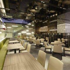 Отель Millennium Mitsui Garden Hotel Tokyo Япония, Токио - отзывы, цены и фото номеров - забронировать отель Millennium Mitsui Garden Hotel Tokyo онлайн гостиничный бар
