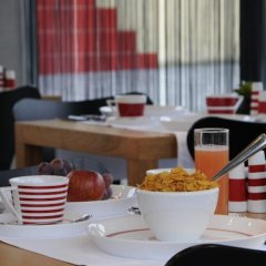 Отель Corbie Lommel Бельгия, Ломмел - отзывы, цены и фото номеров - забронировать отель Corbie Lommel онлайн питание фото 3