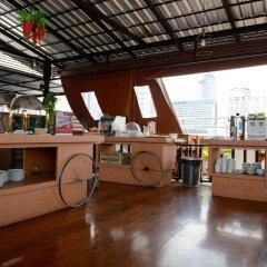 Отель Zen Rooms Ratchaprarop Бангкок развлечения