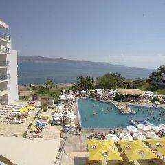 Отель Феста Панорама Отель Болгария, Несебр - отзывы, цены и фото номеров - забронировать отель Феста Панорама Отель онлайн бассейн