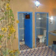 Отель Riad Tagmadart Ferme D'hôte Марокко, Загора - отзывы, цены и фото номеров - забронировать отель Riad Tagmadart Ferme D'hôte онлайн ванная