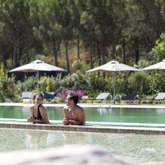 Отель Baia Chia - Chia Laguna Resort Италия, Домус-де-Мария - отзывы, цены и фото номеров - забронировать отель Baia Chia - Chia Laguna Resort онлайн бассейн
