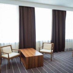 Гостиница Ost West Club комната для гостей фото 9