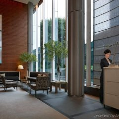 Four Seasons Hotel Tokyo at Marunouchi интерьер отеля