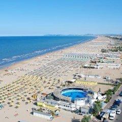 Hotel Mora Римини пляж