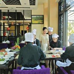 Royal Riverside Hoi An Hotel питание фото 3