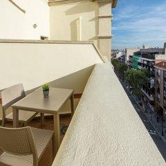 Отель Tryp Madrid Atocha Hotel Испания, Мадрид - 8 отзывов об отеле, цены и фото номеров - забронировать отель Tryp Madrid Atocha Hotel онлайн балкон
