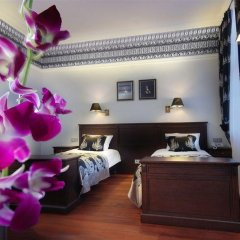 Отель Holland House Residence Old Town спа