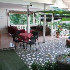 Отель On The Hill Karon Resort интерьер отеля