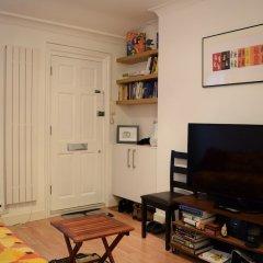 Отель 1 Bedroom Flat in Covent Garden Великобритания, Лондон - отзывы, цены и фото номеров - забронировать отель 1 Bedroom Flat in Covent Garden онлайн комната для гостей фото 4