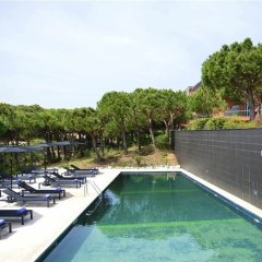 Praia Verde Suite Hotel бассейн