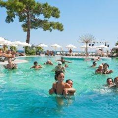 Отель Crystal Aura Beach Resort & Spa – All Inclusive бассейн фото 9