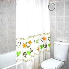 Отель PA Apartamentos Ses Illes Испания, Бланес - отзывы, цены и фото номеров - забронировать отель PA Apartamentos Ses Illes онлайн ванная