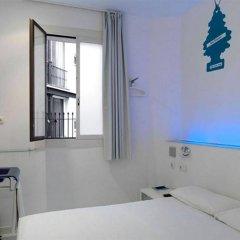 Отель Chic&Basic Tallers Hostal комната для гостей фото 3