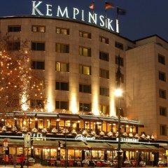 Отель Bristol Berlin Германия, Берлин - 8 отзывов об отеле, цены и фото номеров - забронировать отель Bristol Berlin онлайн вид на фасад