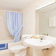Отель Gran Santa Ponsa ванная