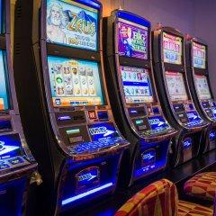 Отель Deerfoot Inn & Casino Канада, Калгари - отзывы, цены и фото номеров - забронировать отель Deerfoot Inn & Casino онлайн развлечения