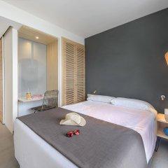 Hotel Playasol Cala Tarida комната для гостей