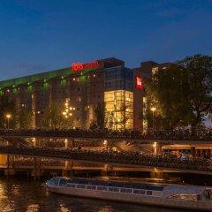 Отель Ibis Amsterdam Centre Амстердам вид на фасад