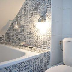 Отель Cosy Renovated 1 Bedroom Apartment in 10th Франция, Париж - отзывы, цены и фото номеров - забронировать отель Cosy Renovated 1 Bedroom Apartment in 10th онлайн ванная