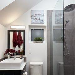 Отель House on Dunbar B&B Канада, Ванкувер - отзывы, цены и фото номеров - забронировать отель House on Dunbar B&B онлайн ванная фото 2