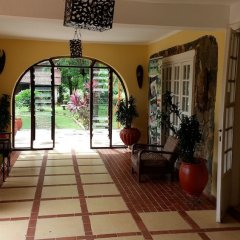 Отель Afrikiko Riverfront Resort интерьер отеля