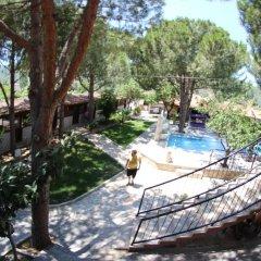 Отель Atilla's Getaway бассейн