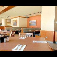 Отель GEC Granville Suites Downtown Канада, Ванкувер - отзывы, цены и фото номеров - забронировать отель GEC Granville Suites Downtown онлайн питание фото 3
