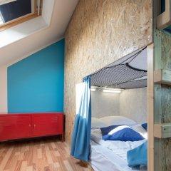 Bubu Hostel сейф в номере