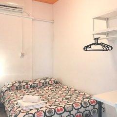 Отель Arc House Sevilla сейф в номере