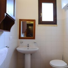 Отель Tenuta Santicuti Верноле ванная фото 2