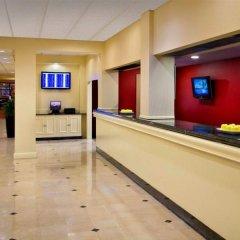 Отель New York LaGuardia Airport Marriott США, Нью-Йорк - отзывы, цены и фото номеров - забронировать отель New York LaGuardia Airport Marriott онлайн интерьер отеля фото 3