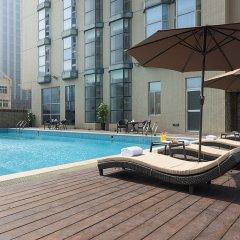 Отель Mercure Xiamen Exhibition Centre Китай, Сямынь - отзывы, цены и фото номеров - забронировать отель Mercure Xiamen Exhibition Centre онлайн бассейн