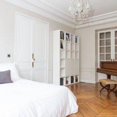 Апартаменты Marais - Francs Bourgeois Apartment комната для гостей фото 4