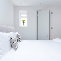 Отель Lovely 2BR flat in West London комната для гостей фото 2