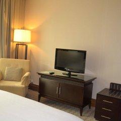 Sheraton Khalidiya Hotel удобства в номере фото 2