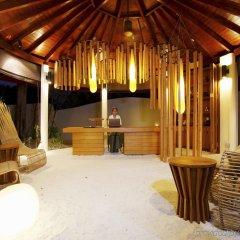 Отель Centara Ras Fushi Resort & Spa Maldives Мальдивы, Велиганду Хураа - отзывы, цены и фото номеров - забронировать отель Centara Ras Fushi Resort & Spa Maldives онлайн комната для гостей