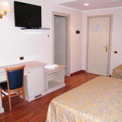 Hotel Villa Medici Рокка-Сан-Джованни удобства в номере фото 2
