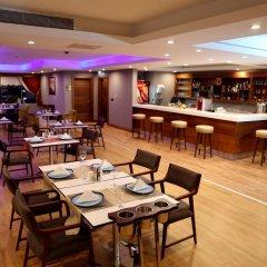 Radisson Blu Hotel Diyarbakir Турция, Диярбакыр - отзывы, цены и фото номеров - забронировать отель Radisson Blu Hotel Diyarbakir онлайн гостиничный бар