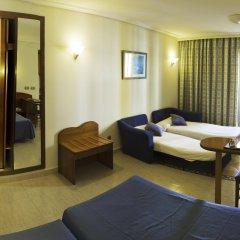 Отель Apartamentos Blau Parc Испания, Сан-Антони-де-Портмань - 1 отзыв об отеле, цены и фото номеров - забронировать отель Apartamentos Blau Parc онлайн комната для гостей