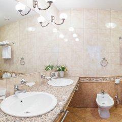 Гостиница Онегин в Екатеринбурге - забронировать гостиницу Онегин, цены и фото номеров Екатеринбург ванная